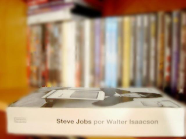 lombada do livro  Biografia do Steve Jobs por Walter Isaacson