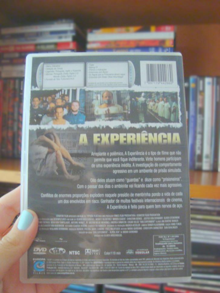 contra capa do filme  A Experiência