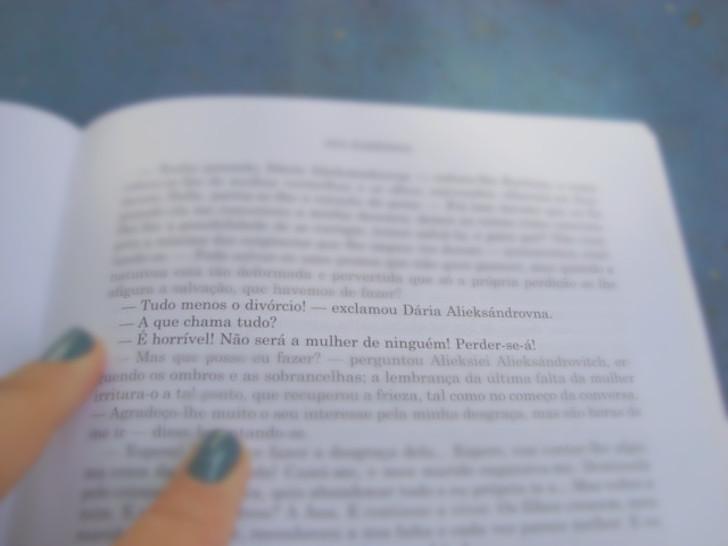 página do livro Ana Karênica de Liev Tolstoi