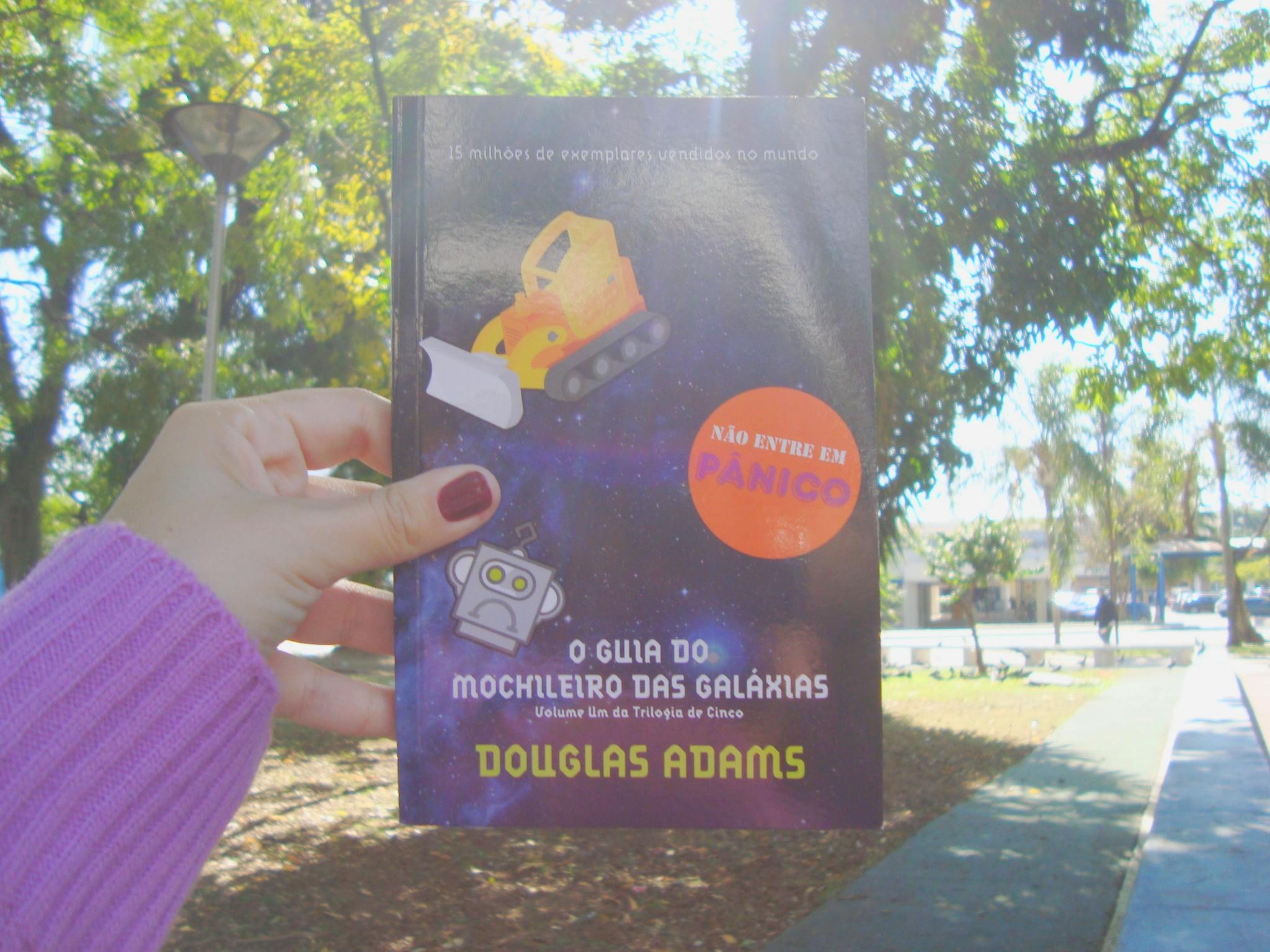 Capa do livro O guia do mochileiro das galáxias