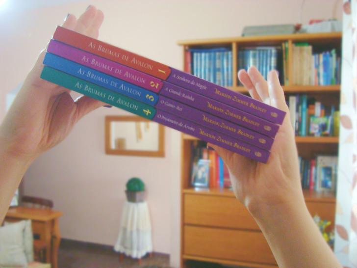 Lombada dos livros As brumas de avalon