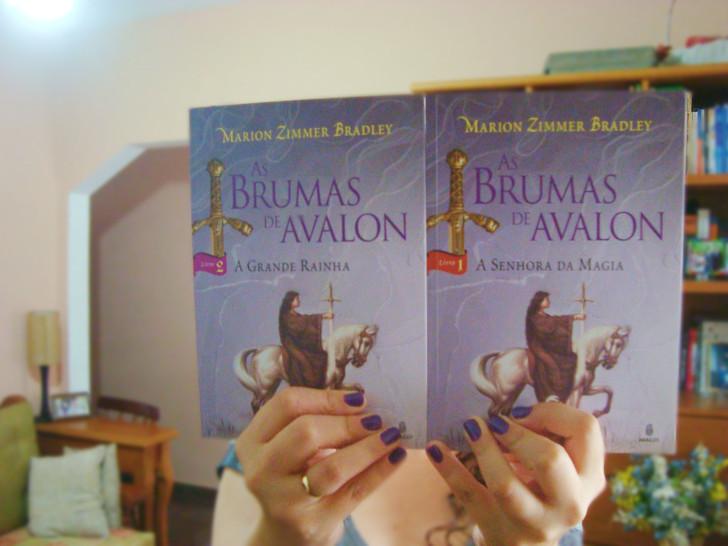 Capa dos livros As Brumas de Avalon
