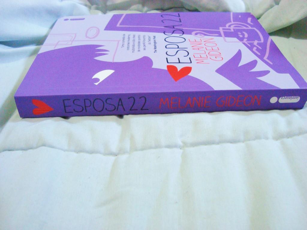 Capa e lombada do livro Esposa 22