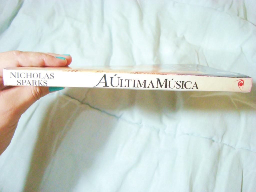 lombada do livro A última música (resenha)