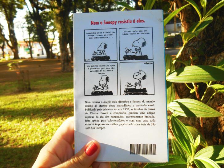 contra-capa alternativa do cartão para o livro HQ do Snoopy - feliz dia dos namorados
