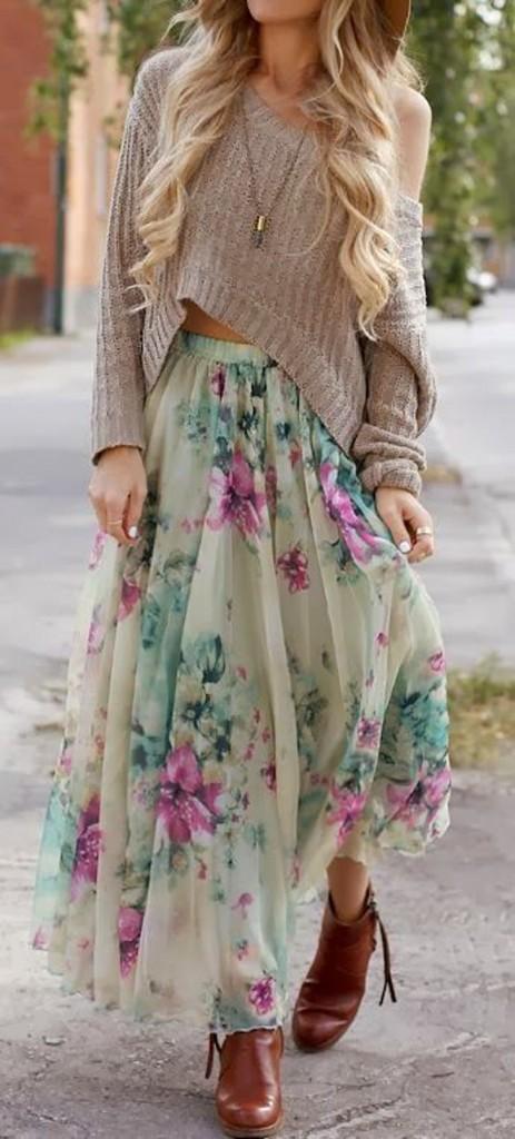 saia floral longa, bota e trico