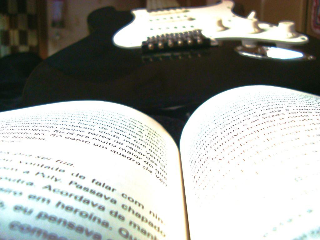 """Livro """"O último rei do rock"""""""