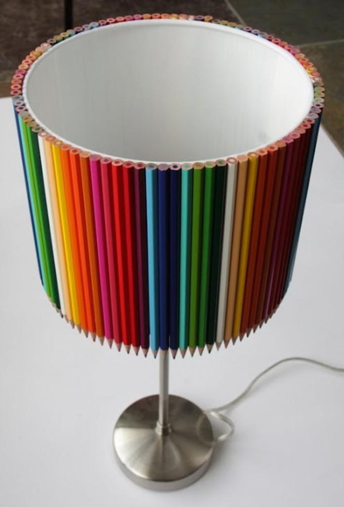 abajur colorido, lapis de cor, abajur criativo