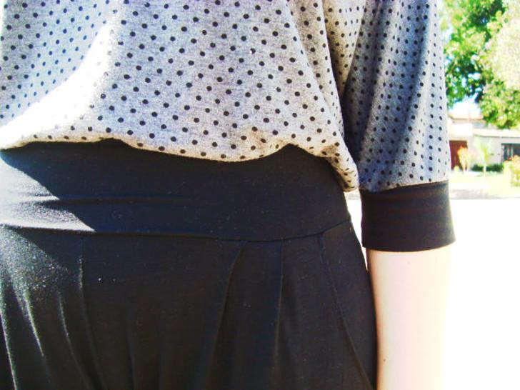 blusa cinza com poa