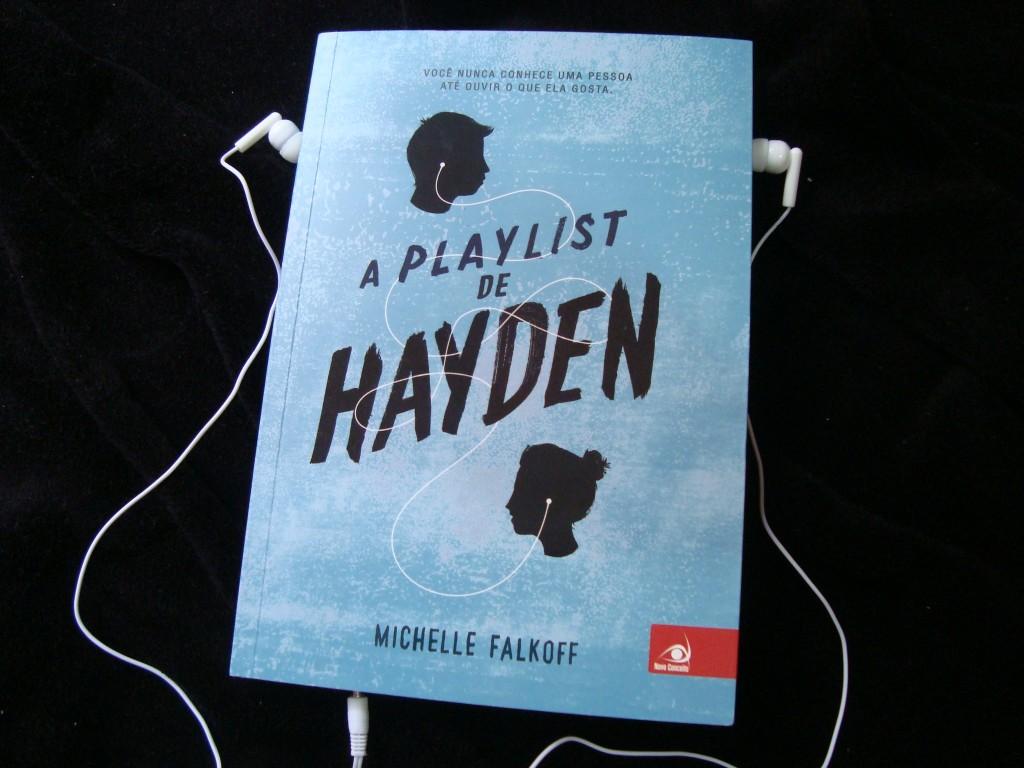 capa do livro a playlist de hayden e foninho