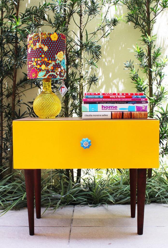 decoração colorida, móvel amarelo