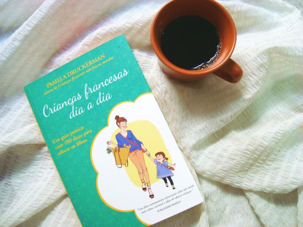 capa do livro Crianças francesas dia a dia