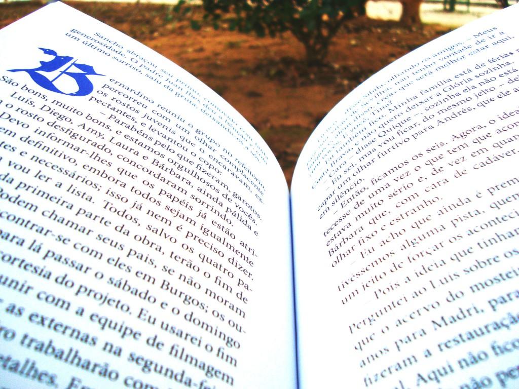 páginas do livro Cordeluna