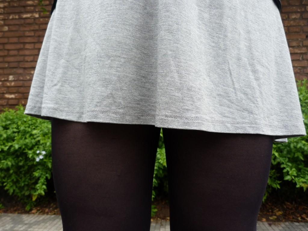 look com meia calça e vestido cinza