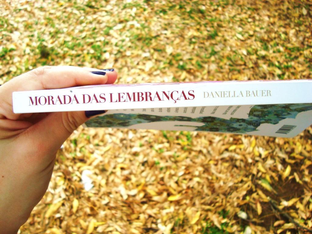 lombada do livro Morada das lembranças