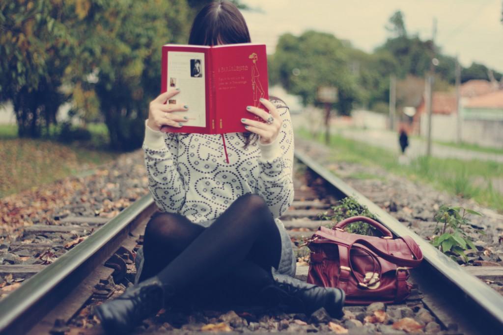 lendo - menina lendo
