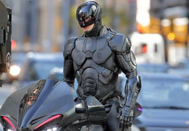 Cena do filme Robocop: A origem - 2014