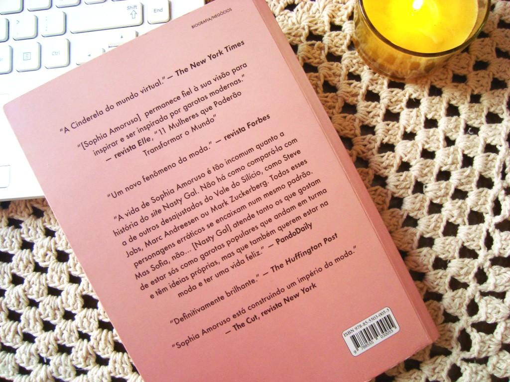 resenha do livro GIRLBOSS - contra capa - Sophia Amoruso