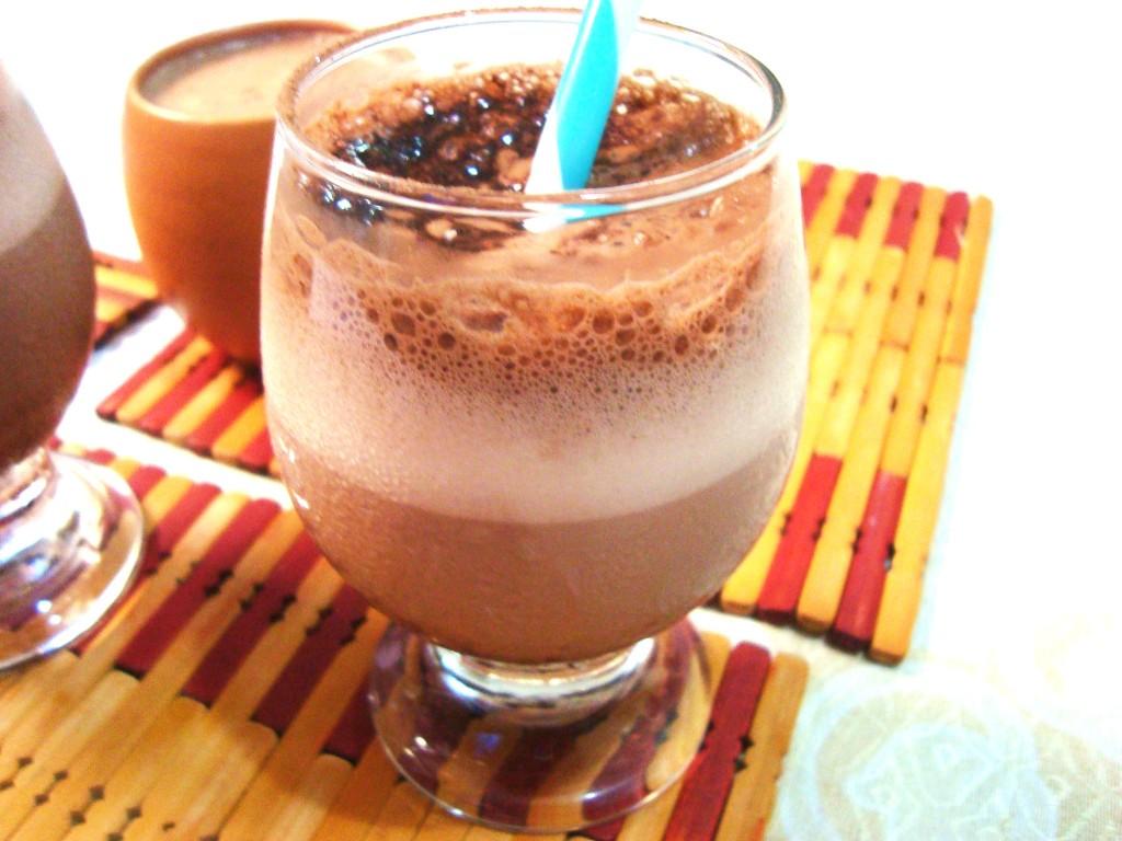 como fazer chocolate quente gelado