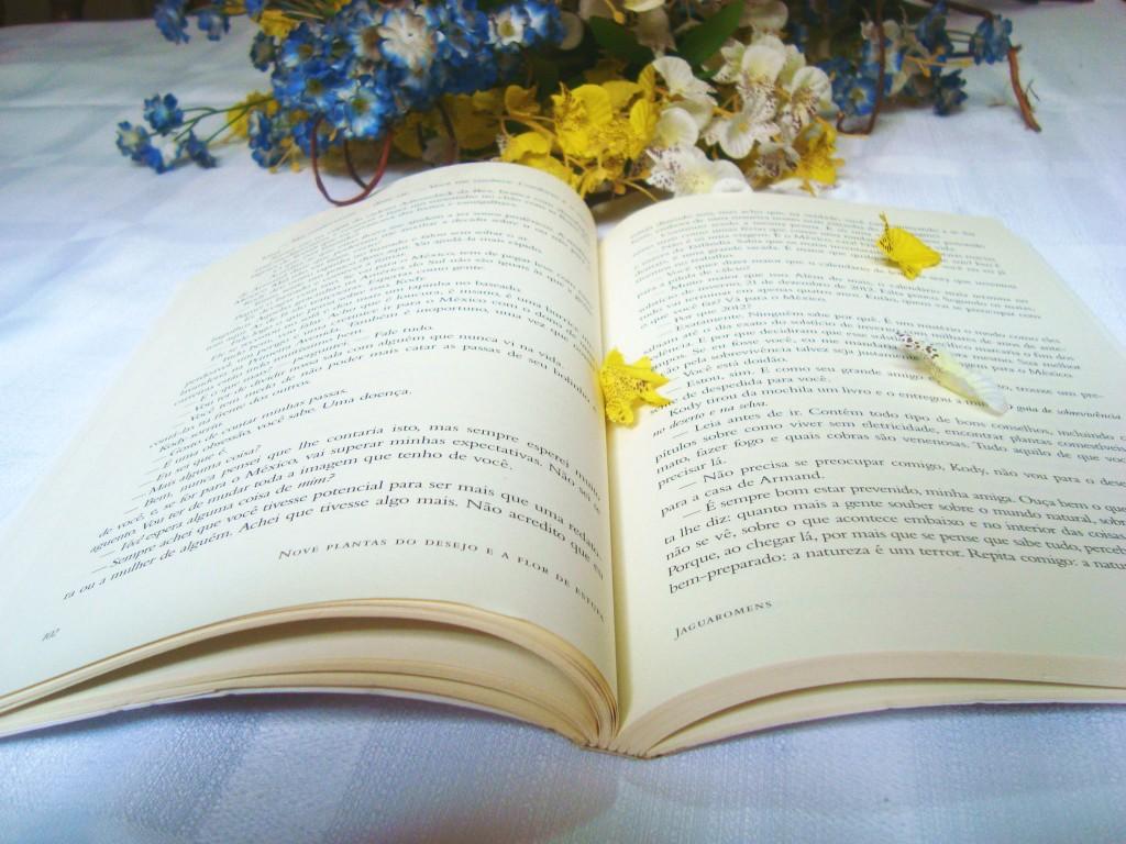 resenha do livro - nove plantas do desejo e a flor da estufa