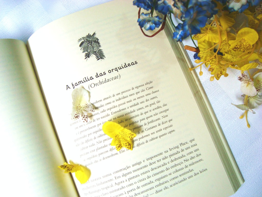 páginas do livro nove plantas do desejo e a flor da estufa