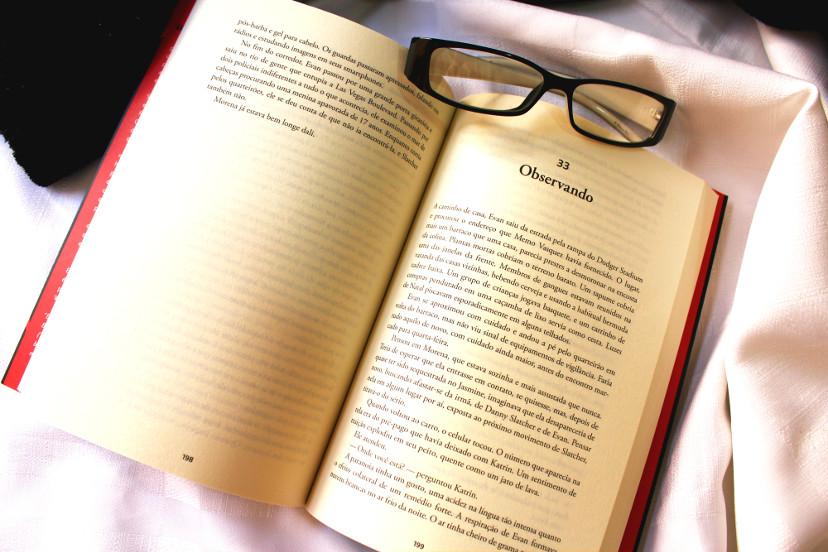 livro órfão X - resenha