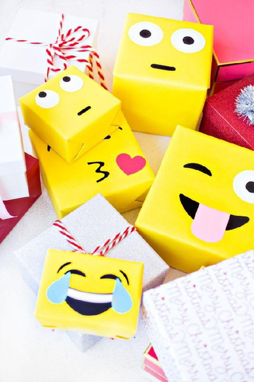 embrulhos para presente com embalagem de emoji
