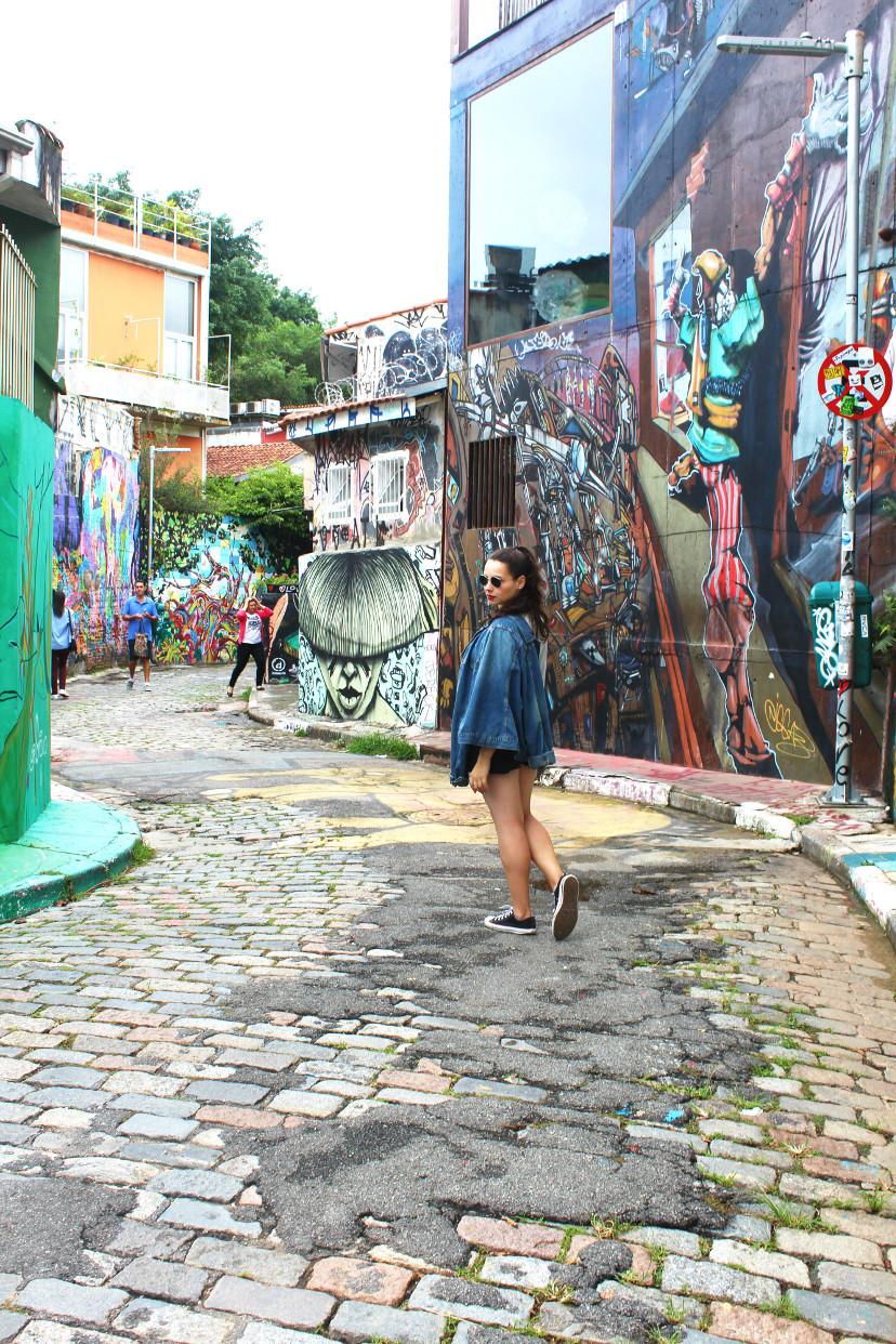 Turismo no Beco do Batman em São Paulo