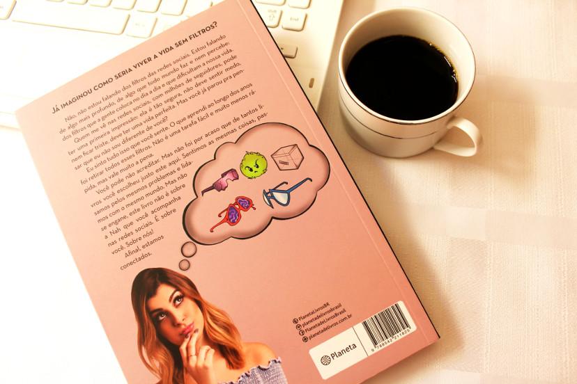 contra capa do livro A vida sem filtros