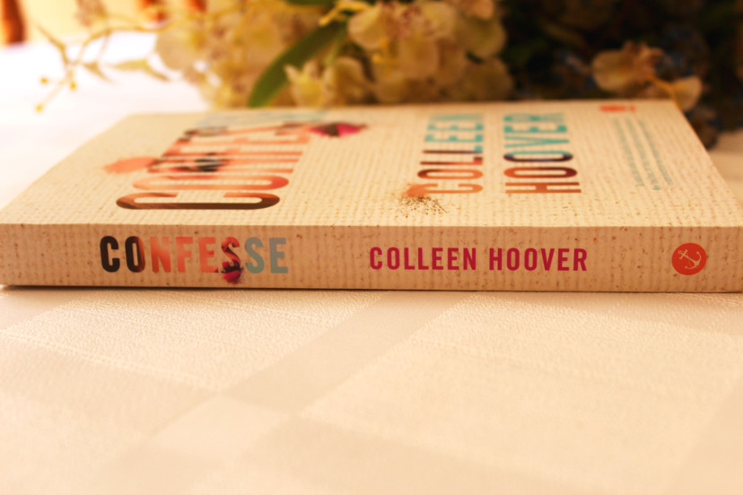 Lombada do livro Confesse de Colleen Hoover