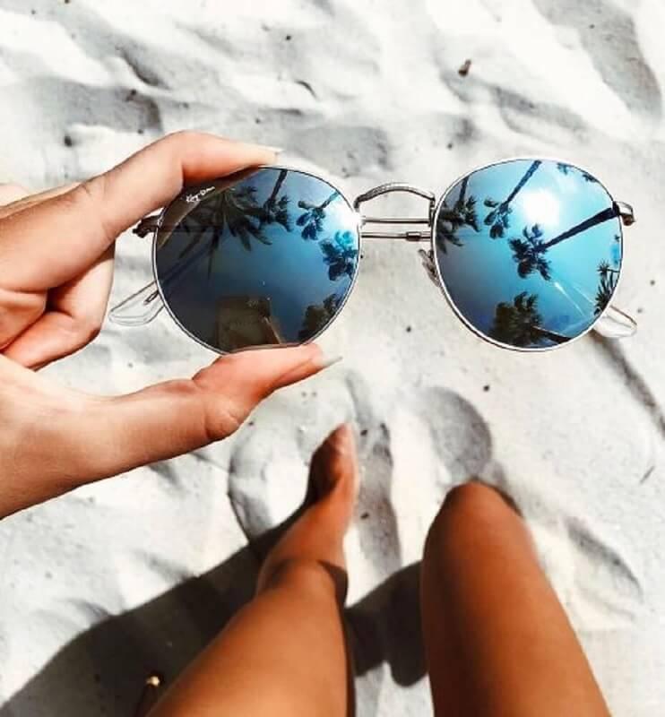 óculos de sol espelhado para o verão