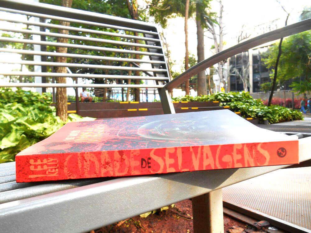 Lombada do livro - Cidade de Selvagens
