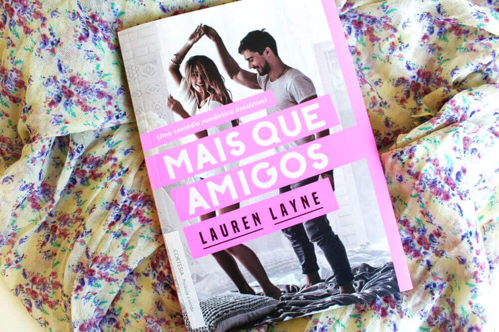 capa do livro - Mais Que Amigos