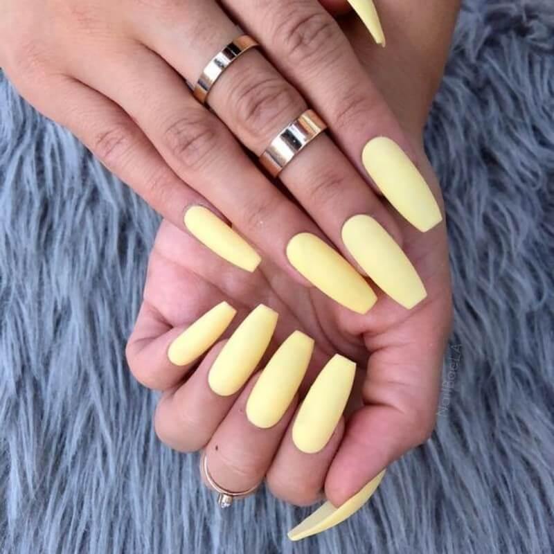 esmaltes candy colors amarelos Foto Unhas Amei