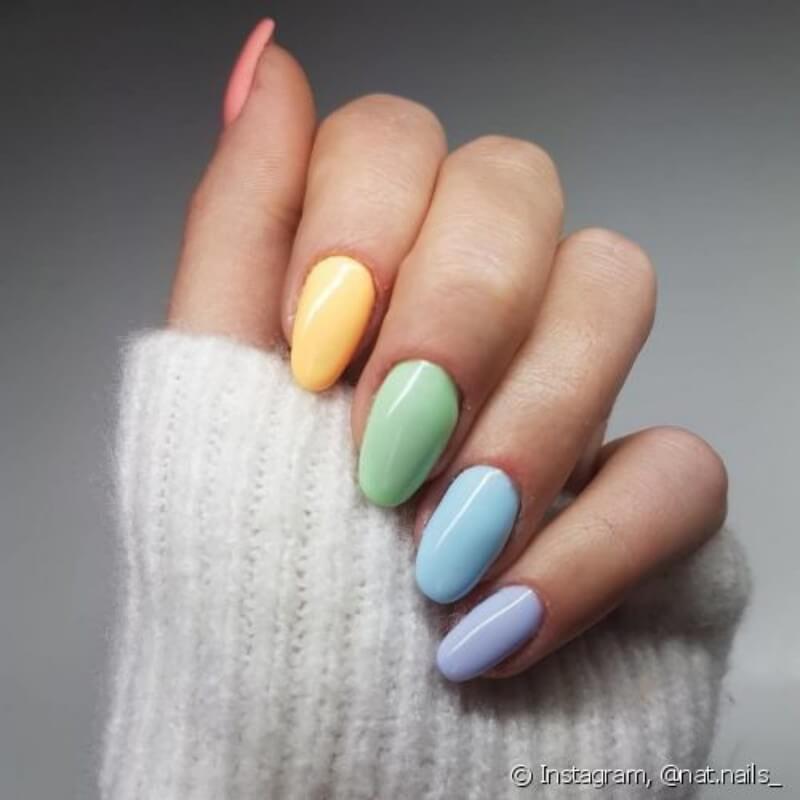 unhas coloridas com candy colors Foto Tudo Sobre Make