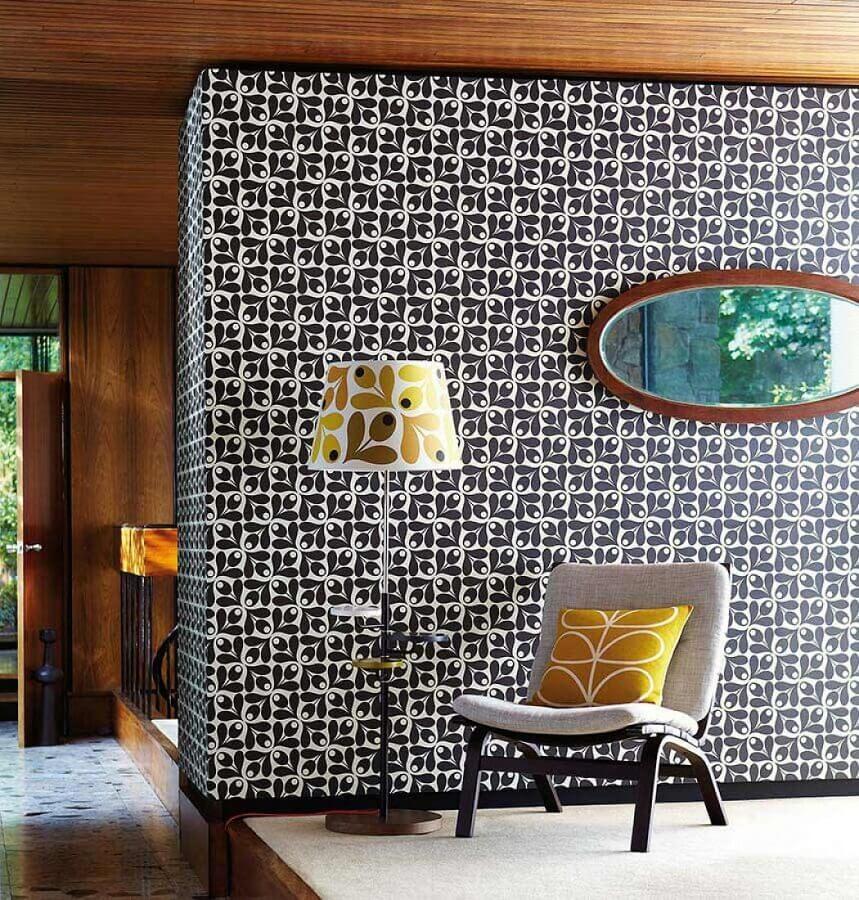 casa decorada com papel de parede com estampa dos anos 70